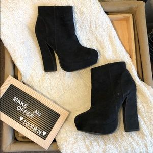 Forever 21 Black Suede Heeled Ankle Boots Size 7